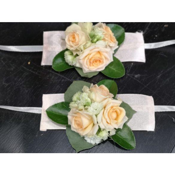 Esküvői kardísz rózsával