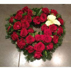 Szív rózsa koszorú