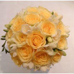 Rózsa fréziával menyasszonyi csokor