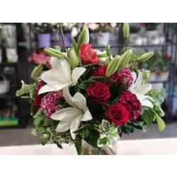 Luxus rózsás liliomos csokor